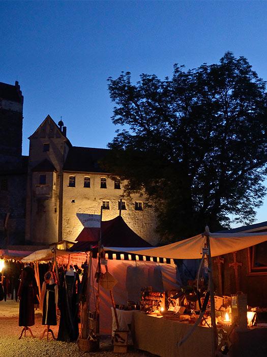 Weihnachtsmarkt Burg Katzenstein : mittelaltermarkt burg katzenstein ~ Whattoseeinmadrid.com Haus und Dekorationen